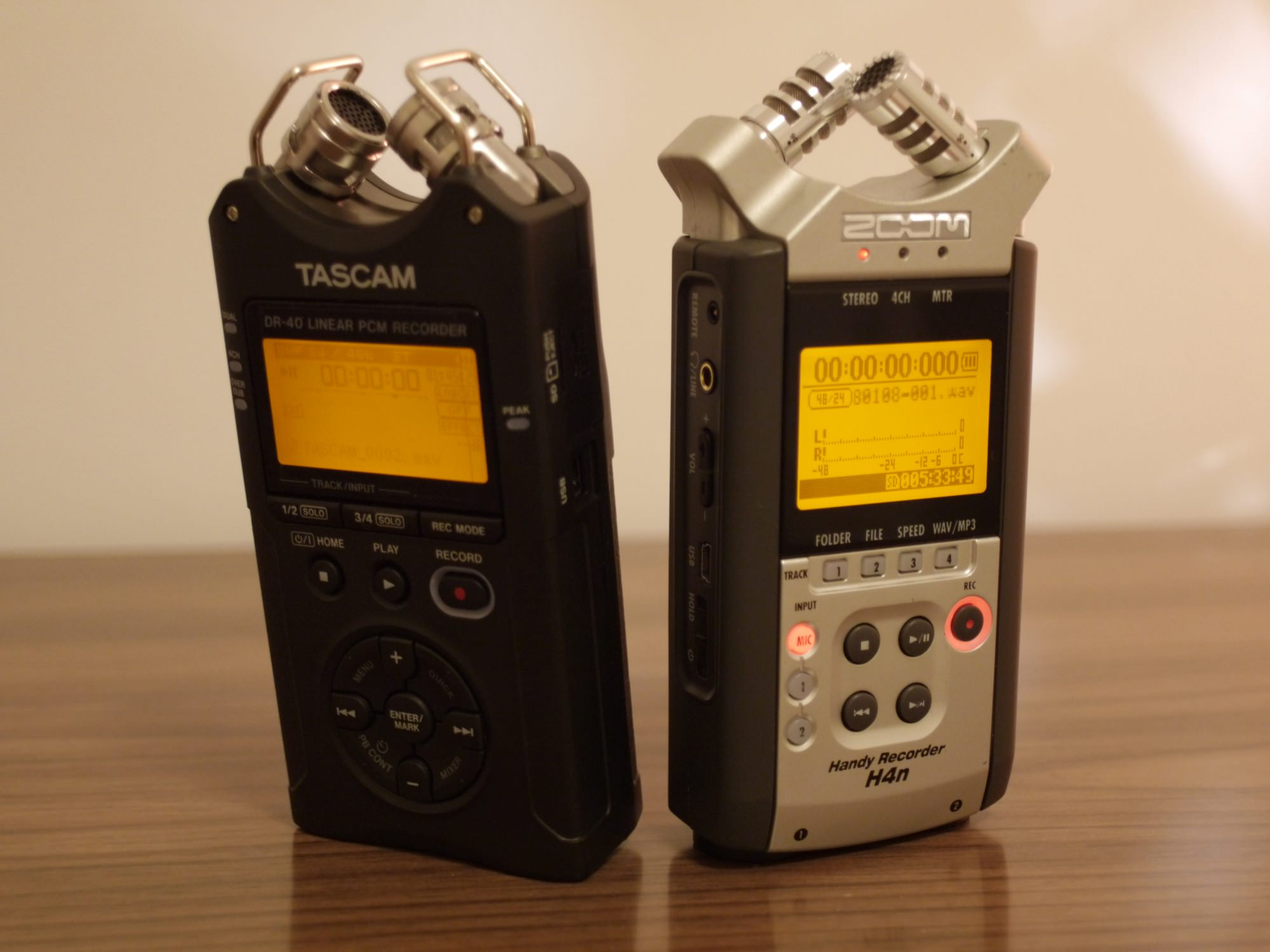 Tascam DR-40 compared to Zoom H4n